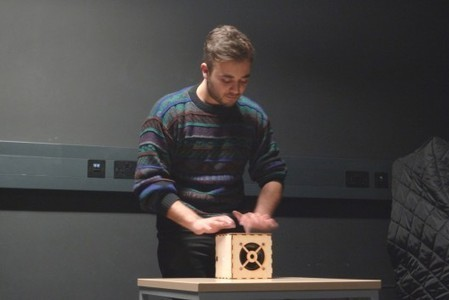 Wooden cube converts touch into music - Gizmag | Raspberry Pi | Scoop.it