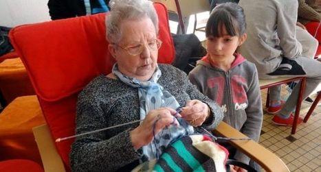 Le tricot urbain crée des liens intergénérationnels | Développement durable en ville - initiatives urbaines | Scoop.it