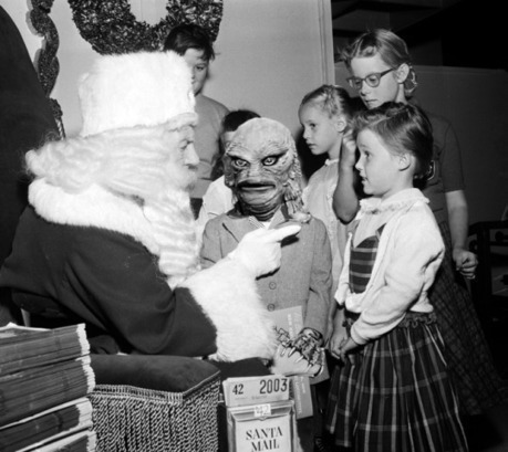 A Sitting Ovation - THE CHRISTMAS SPIRIT | Hauntology | Scoop.it