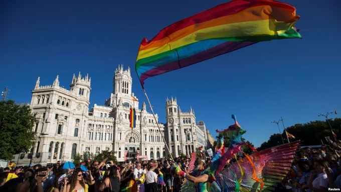 Thousands Take Part in Global Gay Rights Parade in Madrid