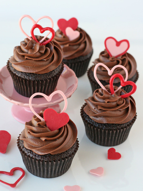 How to Make Heart Accents for Cupcakes | My Baking Addiction | ♨ Family & Food ♨ | Scoop.it