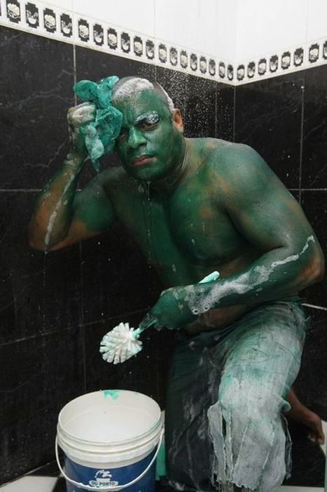 Man wears green paint for Hulk costume which wouldn't wash off | Brazilianisms | Scoop.it