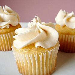 Vanilla Cupcakes with Vanilla Buttercream Frosting | new baking ideas | Scoop.it
