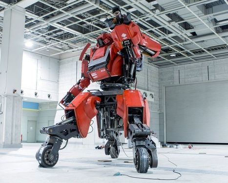 Fun for Friday: Giant Robots Prepare For Battle   Today's Manufacturing News   Scoop.it