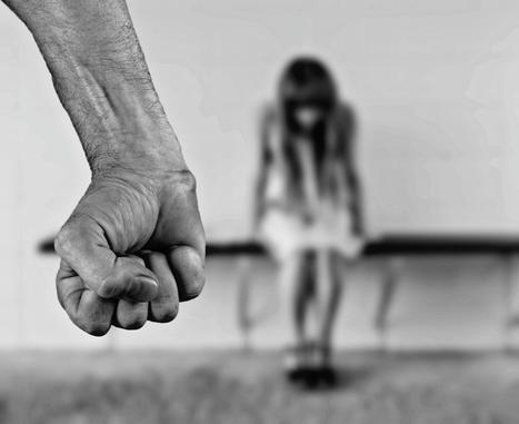 Espionner les mails de son conjoint peut constituer un acte de violence conjugale ...