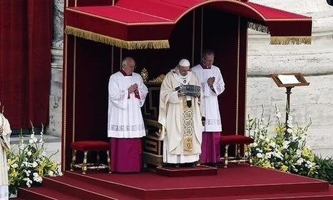 Vatican displays Saint Peter's bones for the first time | Global Politics - Yemen | Scoop.it
