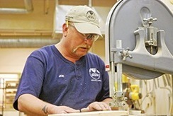 Arts and Crafts Center haven for woodworkers - The First Infantry Division Post | Life Matters - Beyond Scrapbooking techniques | Scoop.it