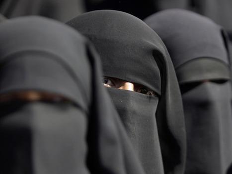Afghan TV presenters told 'more veil, less makeup' | Afghan Women in Media | Scoop.it