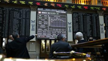 El Ibex retrocede hasta los 9.900 puntos lastrado por los malos datos de China y Wall Street   Top Noticias   Scoop.it