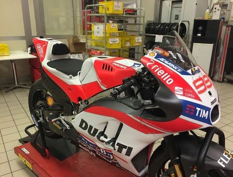 SPY SHOT: Ducati's 2017 MotoGP bike in all it's new aero, slippery goodness | Ductalk Ducati News | Scoop.it
