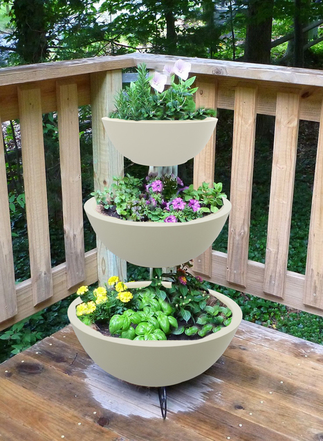 Using Accessories In Your Garden   Put Charm And Tranquility | Online  Planters And Vases Supplier
