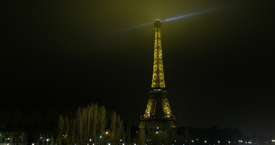 Feminists want 'phallic' Eiffel Tower torn down | The Local | English Usage for French Insights | Scoop.it