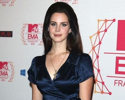 Lana Del Rey to Release Suggestive 'Cola' as Her Next Single - PopCrush | Lana Del Rey - Lizzy Grant | Scoop.it