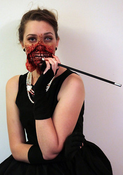 Awesome late Halloween costume of the day: Zombie... | All Geeks | Scoop.it