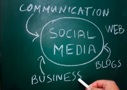 75 Tips to Manage Your Social Media Efforts in 2012 | e-BUZZERS | Scoop.it