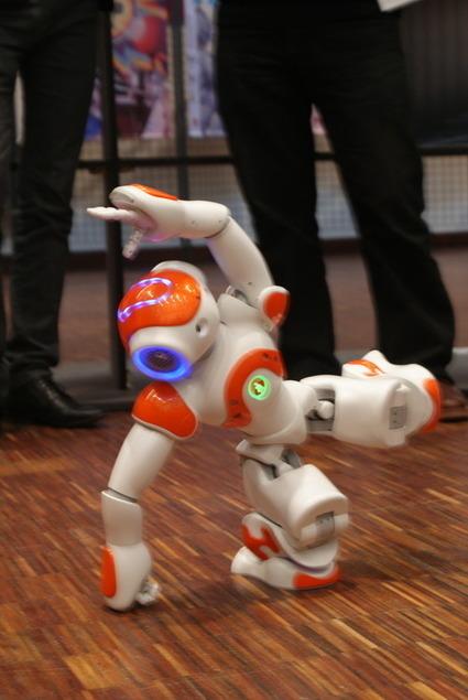 Des rencontres inspirantes, des appli créatives et un Nao dansant sur Gangnam style… c'était à Futurapolis ! | Innovations Technologiques | Scoop.it