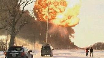 Explosive oil train collision triggers evacuation in North Dakota | Sustainability Science | Scoop.it