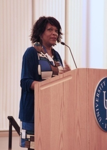 Former poet laureate talks life experience - University of Delaware Review | biracial literature | Scoop.it