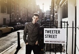 Twitter Street - Photography project aims to faces to the Tweets | The Wall Blog | Street Photography tips and techniques | Scoop.it