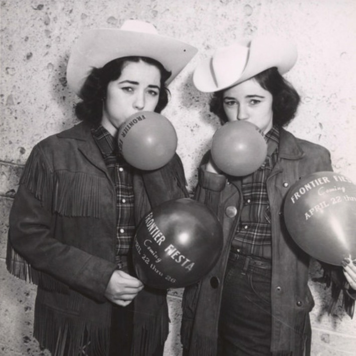 Vintage Cowgirls & Balloons | Herstory | Scoop.it