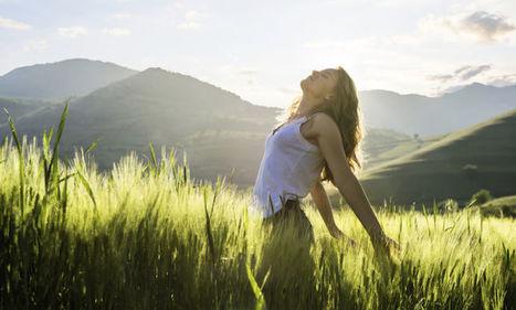This Habit May Separate Happy & Unhappy People - mindbodygreen.com   Mental Health & Emotional Wellness   Scoop.it