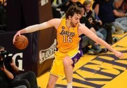 ecd75452a8e0 NBA  Lakers F Pau Gasol Visits Syrian Refugees in Iraq - Sport Balla