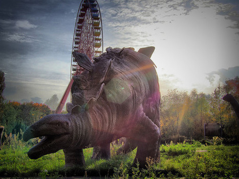 Paul McAuley: The Dinosaur Graveyard of East Berlin ~ Kuriositas | science fiction research | Scoop.it
