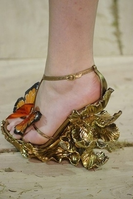 Would You Wear Any Of These Crazy Shoes photo Samii Ryan's photos - Buzznet | Global Luxury | Scoop.it