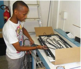 South Africa: Youth trained up to installsolar kits | Energy SMEs in Developing Countries | Scoop.it