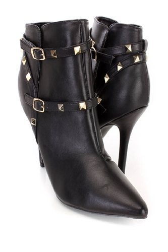 05a92673a4f0 Platform High Heels or Black Booties