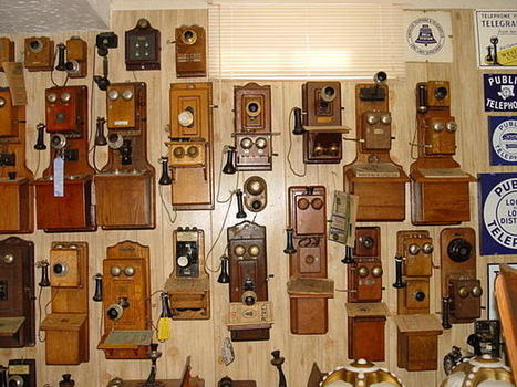 Assorted Wood Wall Telephones | Antiques & Vintage Collectibles | Scoop.it