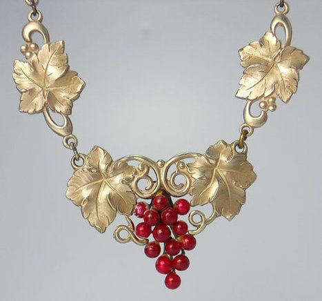Vintage Grapevine Lavalier Necklace  9f262cac3f1