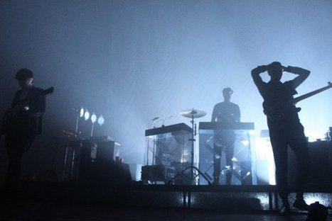 PHOTO Gallery: The xx @ Paradise Theater (October 27, 2012) | SongsSmiths | Scoop.it