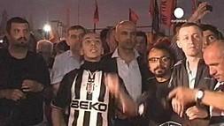 L'actu du jour: Turquie : le Premier ministre continue de 'jeter de l'eau sur le feu' !! (video) | cotentin webradio Buzz,peoples,news ! | Scoop.it
