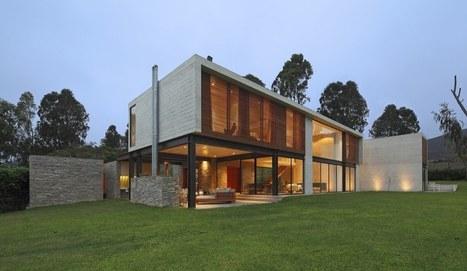 Imposante maison contemporaine au mélang...
