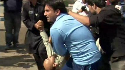 Two killed as PIA workers clash with LEAs at Karachi airport | Asian Labour Update | Scoop.it