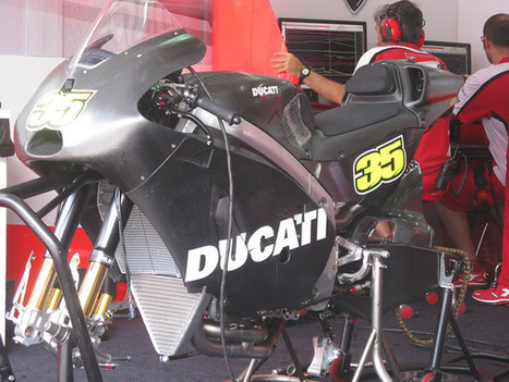 Amateur Spy: David Emmett's Out-of-Focus Shots From The Sepang Test, Part 1 | Ductalk Ducati News | Scoop.it