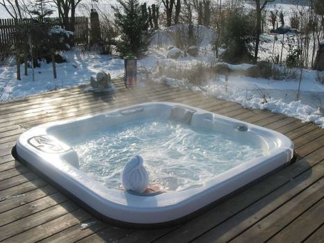 Whirlpool Outdoor & Indoor | Swim Spa | Sof...