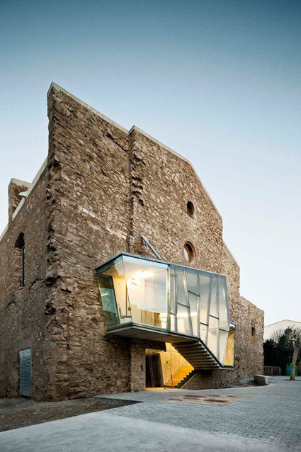Old-Meets-New in Modern Renovation of An Old Church - Design Milk   Rendons visibles l'architecture et les architectes   Scoop.it