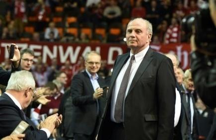 Allemagne: Uli Hoeness triomphalement réélu président du Bayern Munich | Allemagne | Scoop.it