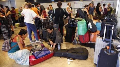 Decenas de mexicanos, atrapados en el aeropuerto de Madrid | Mexicanos en Castilla y Leon | Scoop.it