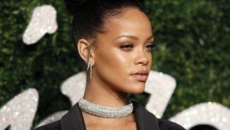 Rihanna vince contro Topshop nella battaglia per una t-shirt  7f09afb303ec