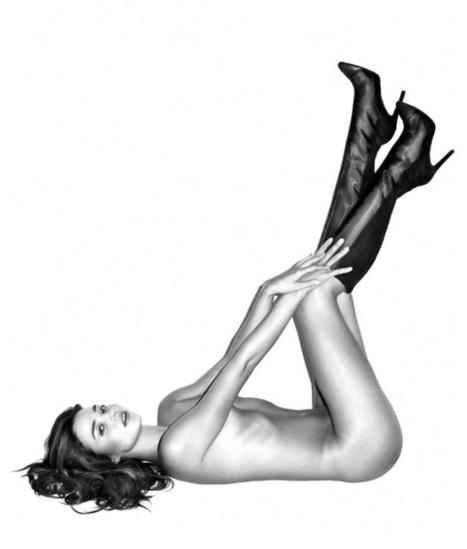Miranda Kerr shows her booty - Fashionising.com | Imatge | Scoop.it