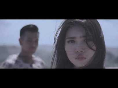 Sean feat judika bukan dia tapi aku (indonesian idol 2012) youtube.