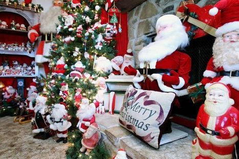 whitney woman shares extensive christmas collection waco tribune herald christmas animatronics scoop - Christmas Animatronics
