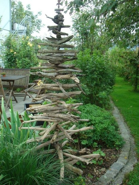 Driftwood Christmas Tree   What a Creative Garden   Scoop.it