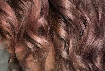 Chocolate mauve is de nieuwe bijzondere haarkleur die je moet zien - The Chair   kapsel trends   Scoop.it