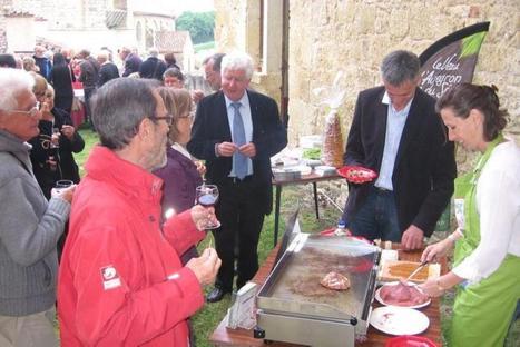 Belcastel. Avec Les Plus Beaux Villages de France, l'Aveyron s'exporte dans le Gers | L'info tourisme en Aveyron | Scoop.it