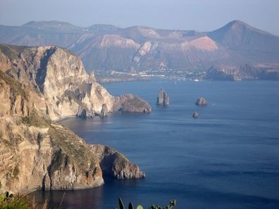 Smart Cities July 27 - August 2, 2014, Lipari Island | Lipari School on Computational Complex Systems | FuturICT Events of Interest | Scoop.it