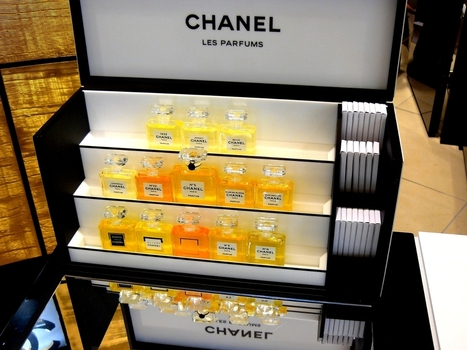 Chanel: le parfum en version intime - Des parfums mythiques parfaits symboles de l'élégance à la française   Les voies du luxe   Scoop.it
